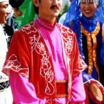 Traje Tradicional de la Etnia WeiWuEr